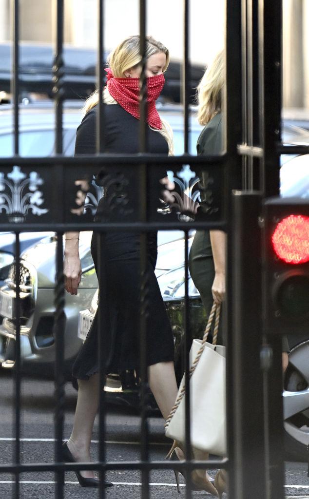 Фото №4 - Встретились в суде: Джонни Депп и Эмбер Херд прибыли в Лондон на заседание по делу о клевете