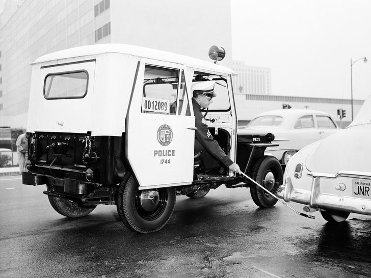 Фото №1 - Почему американская полиция маркирует колеса мелом?