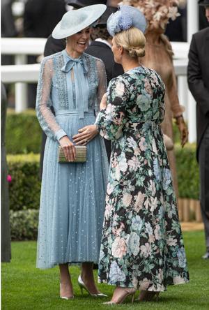 Фото №4 - Королевский отряд: герцогиня Кейт и ее три самых близких подруги в БКС