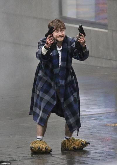 Фото №1 - «Гарри Поттер и ипотека»: новый мем с Дэниелом Рэдклиффом