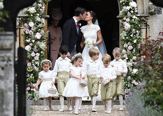 Фото №1 - Принцесса Шарлотта и принц Джордж на свадьбе Пиппы Миддлтон (фото)