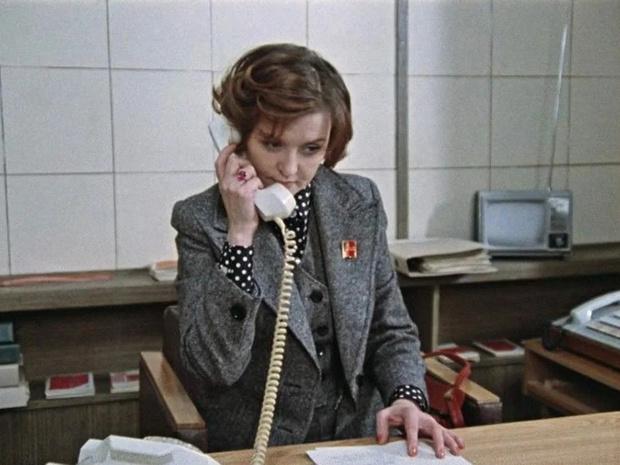 Москва слезам не верит: 6 культовых образов Веры Алентовой из фильма