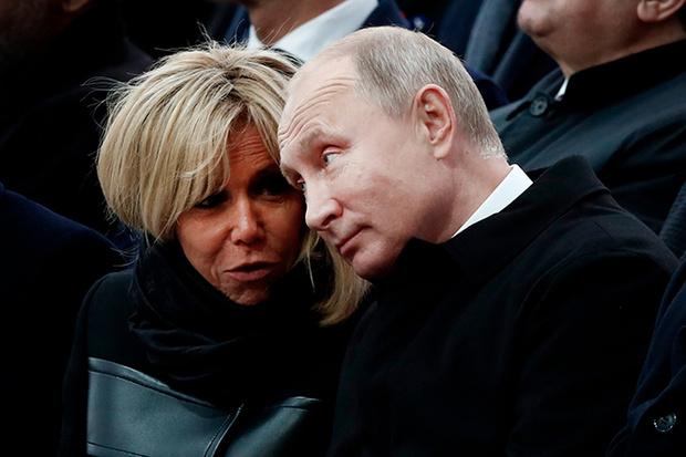 Фото №6 - 18 фотографий Брижит Макрон и Мелании Трамп, доказывающих, что их дружба – это серьезно