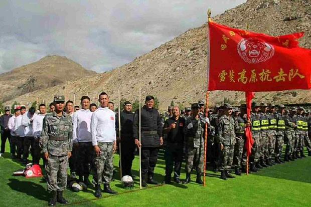 Фото №1 - Китай перебросил на место конфликта с Индией 20 MMA-бойцов