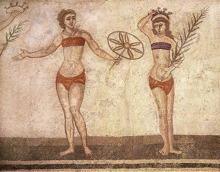 Фото №2 - Бикини: эволюция самого скандального купальника в истории