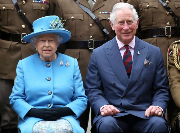 Фото №1 - Время перемен: почему принц Чарльз может занять трон уже этим летом