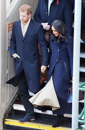Фото №6 - Меган Маркл и принц Гарри начали свой тур по Великобритании