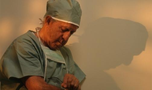 Фото №1 - Почему врачи просят школьников не становиться медиками