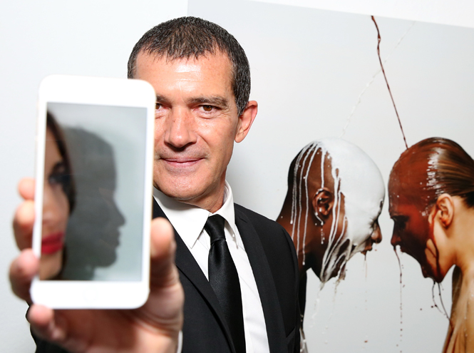 Фото №12 - Антонио Бандерас собрал звезд на открытии собственной фотовыставки в Москве