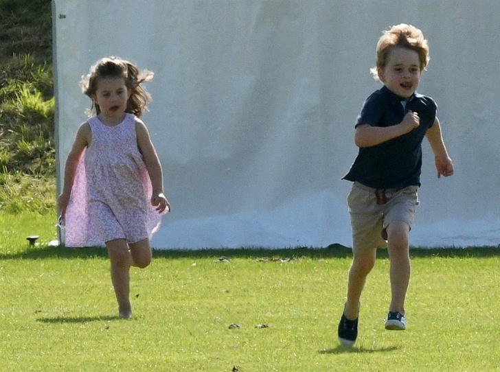Фото №3 - Герцогиня Кембриджская приобщает Джорджа и Шарлотту к семейному хобби