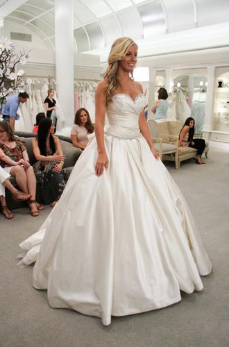 Фото №16 - Мода на белое: история традиционного наряда невесты