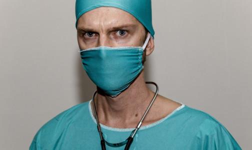 Фото №1 - 7 из 10 врачей жалуются на постоянные многочасовые переработки. Фармацевты их обгоняют