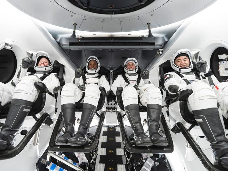 Фото №2 - SpaceX вновь доставила на МКС астронавтов на корабле Crew Dragon. В чем его уникальность