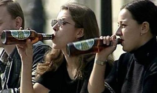 Фото №1 - Россияне одобряют повышение возрастного ценза на продажу алкоголя до 21 года
