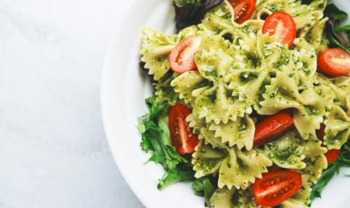 Фото №1 - Как похудеть, не уменьшая порцию на тарелке. Полезные подсказки от врача-диетолога
