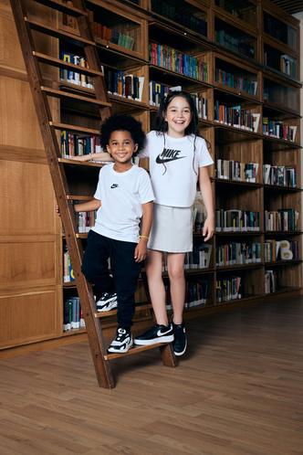 Фото №2 - Street Beat объявили конкурс, в котором разыграют кроссовки для всего класса 😱