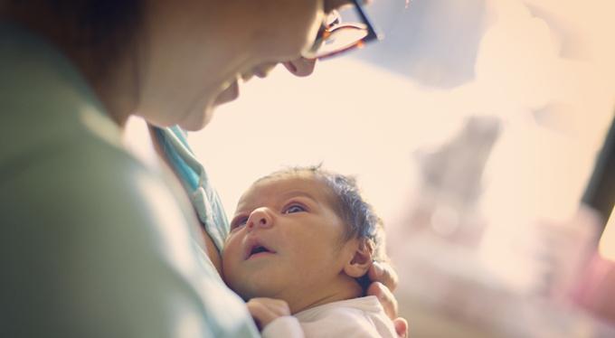 Как способ рождения влияет на будущее здоровье?