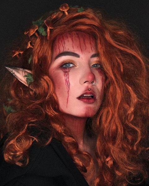 Фото №2 - Красиво до жути! 5 крутых идей для макияжа на Хэллоуин