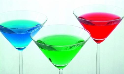 Фото №1 - Петербуржцы стали реже пить тосол и стеклоочиститель