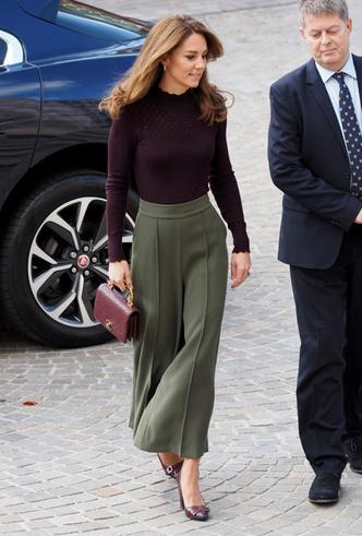 Фото №5 - Самые стильные (и неожиданные) выходы герцогини Кейт в брюках