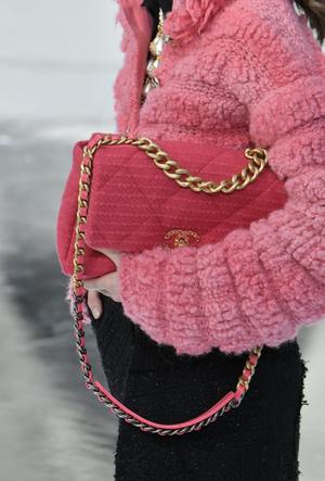 Фото №24 - Самые модные сумки осени и зимы 2020/21