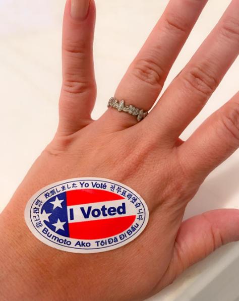 Фото №35 - День выборов в звездном Инстаграме