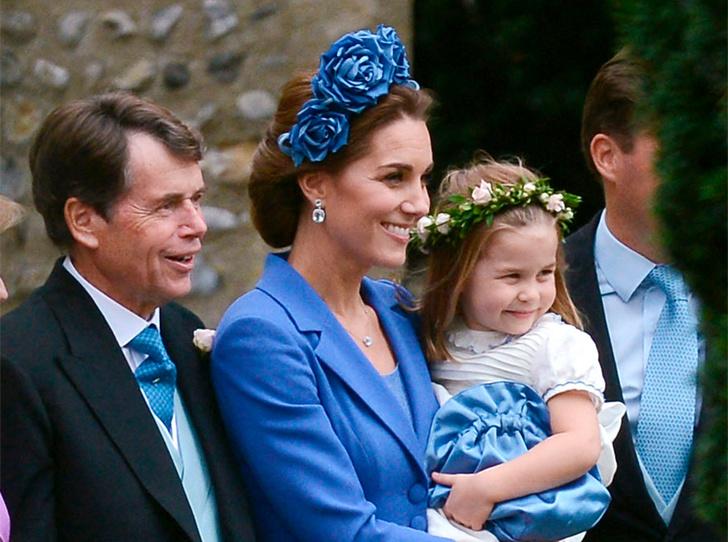 Фото №1 - Сюрприз: принц Джордж и принцесса Шарлотта на свадьбе крестной