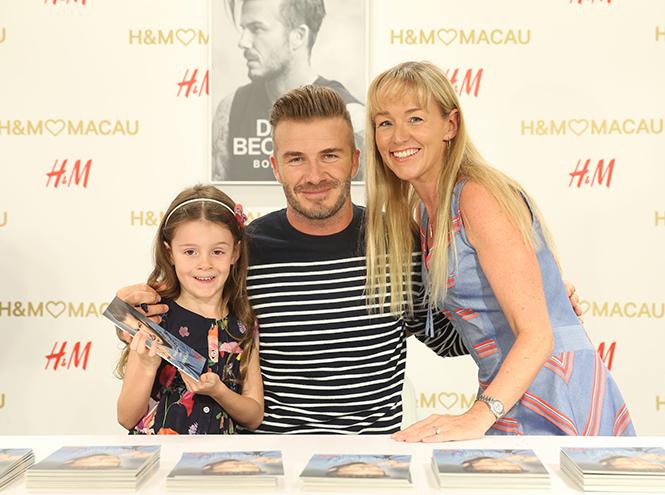 Фото №2 - Дэвид Бекхэм на открытии магазина H&M в Макао