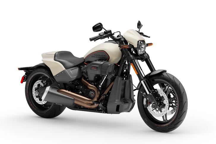 Фото №2 - 5 мифов о харлее: тест-райд Harley-Davidson FXDR