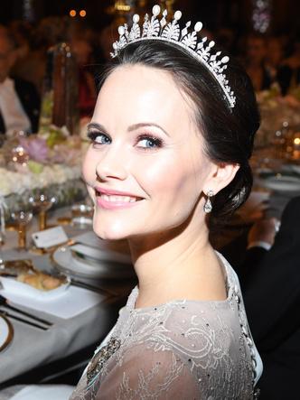 Фото №6 - Принцесса из сказки: самые эффектные выходы Софии Шведской в тиарах