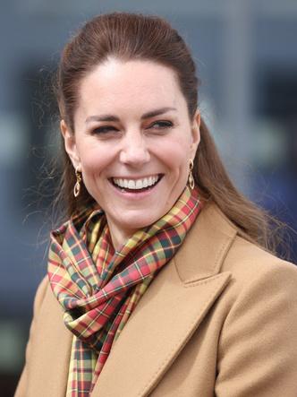 Фото №2 - Королевский лайфхак: новая формула стиля герцогини Кейт