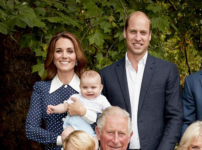Фото №4 - Что рассказал о Кембриджских, Сассекских и Уэльских их семейный портрет