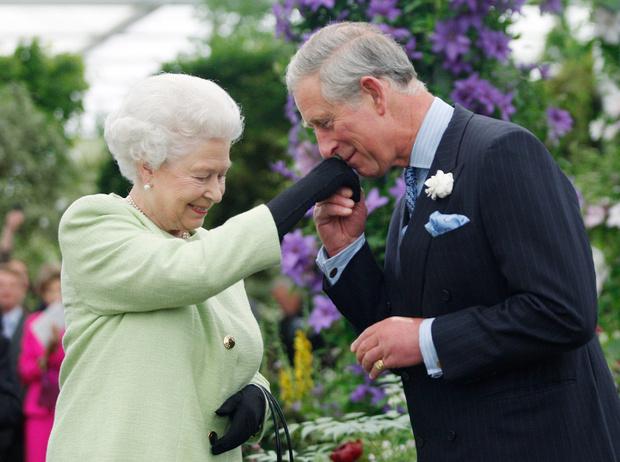 Фото №1 - Какой поступок королева Елизавета II не могла простить принцу Чарльзу