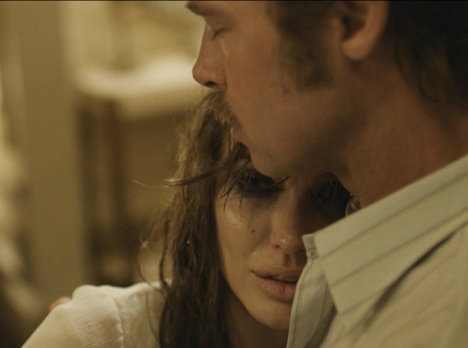 Фото №2 - Первый трейлер новой совместной работы Анджелины Джоли и Бреда Питта
