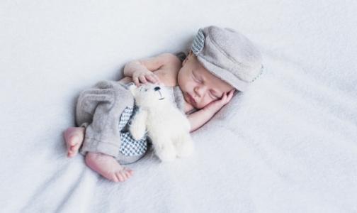 Фото №1 - За год Петербург «потерял» 2,5 тысячи новорожденных