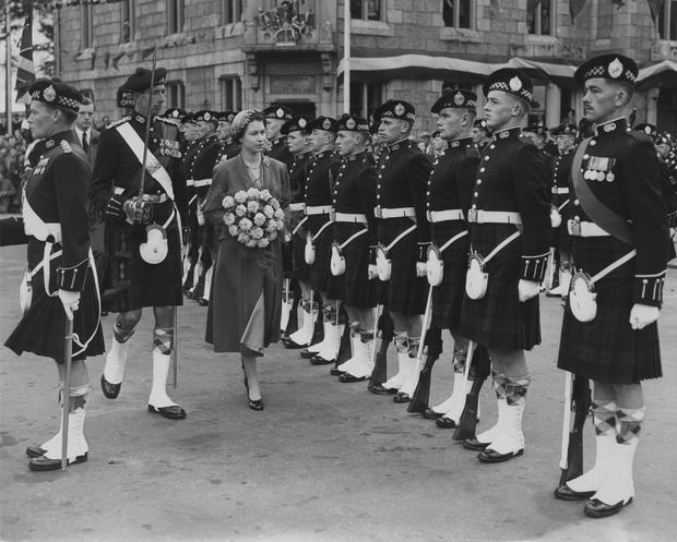 Фото №3 - Дресс-код королевских мужчин: как килты оказались в гардеробе Виндзоров
