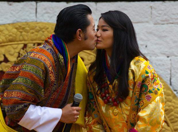 Фото №5 - Король-дракон Бутана: любовь стоит того, чтобы ждать