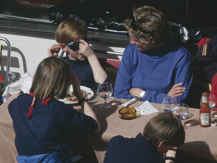 Фото №2 - Материнские хитрости: как Диана приучала сыновей к полезной еде