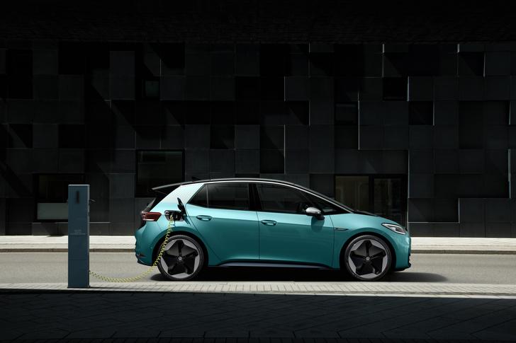 Фото №3 - И восхитительный хэтчбек! Новый Volkswagen ID3 пробует себя в роли Прометея