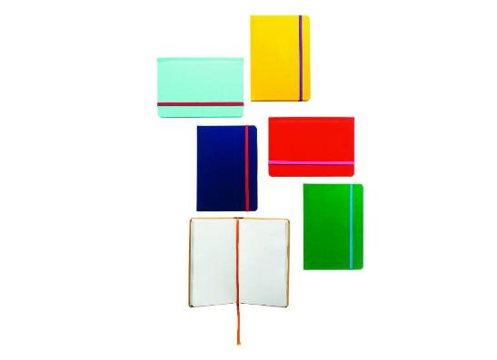 Фото №6 - United Colors of Benetton выпустил подарочную коллекцию аксессуаров