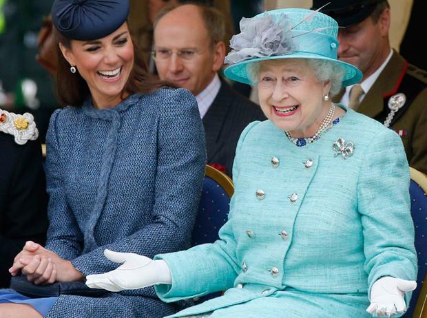 Фото №2 - 20 острых шуток королевской семьи