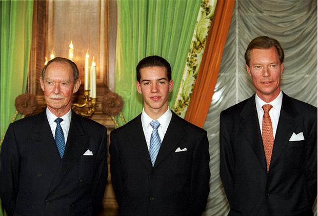 Фото №14 - Короли на пенсии: 8 монархов, которые отреклись в пользу детей