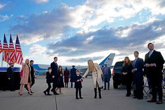 Фото №2 - Иванка плакала, Трамп обещал вернуться: как Джо Байдена посвящали в президенты