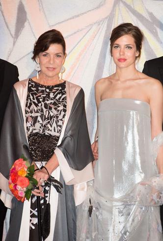 Фото №11 - Стиль принцессы Каролины: модные правила старшей дочери Грейс Келли