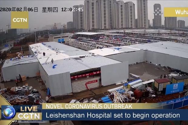 Фото №1 - Прямая трансляция из открывающейся в Китае второй больницы для пациентов с коронавирусом