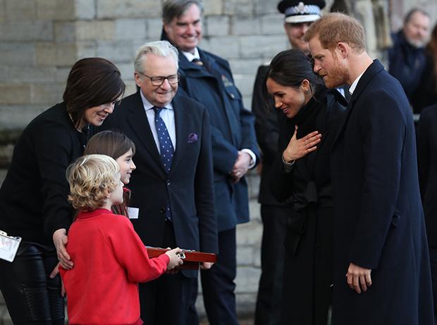 Фото №5 - Принц Гарри и Меган Маркл впервые посетили столицу Уэльса