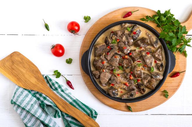 Как приготовить куриную печень, чтобы была мягкая и сочная: рецепты ккуриной печени на сковороде с луком