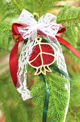 Фото №8 - Елки, палки, мандарины: как украшают новогодние деревья в разных странах мира