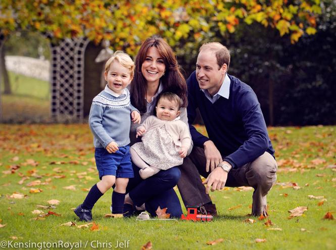 Фото №1 - Подарок к Рождеству: Кейт и Уильям опубликовали новое семейное фото