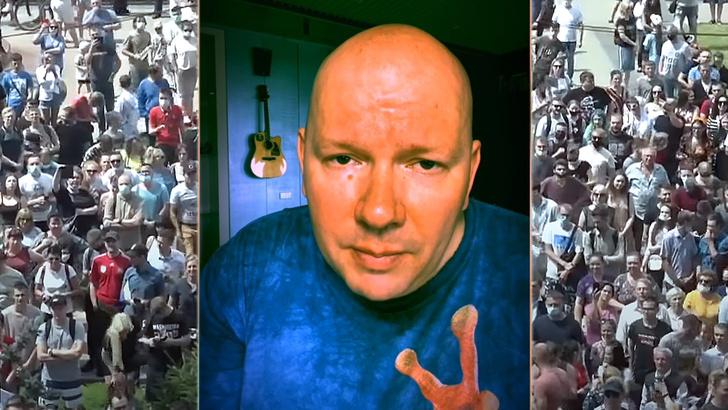 Фото №1 - «Эти фейки рисует Навальный, а Хабаровск придумал Госдеп»: ироничные стихи, навеянные реакцией на массовые протесты в Хабаровске (видео)